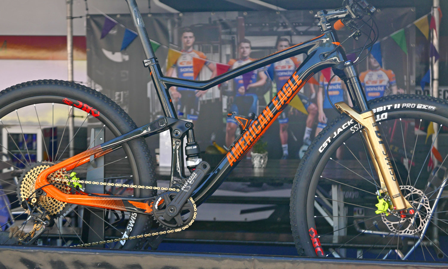 2020 American Eagle Flow XC MTB, short-travel 100mm carbon full-suspension cross-country race mountain bike