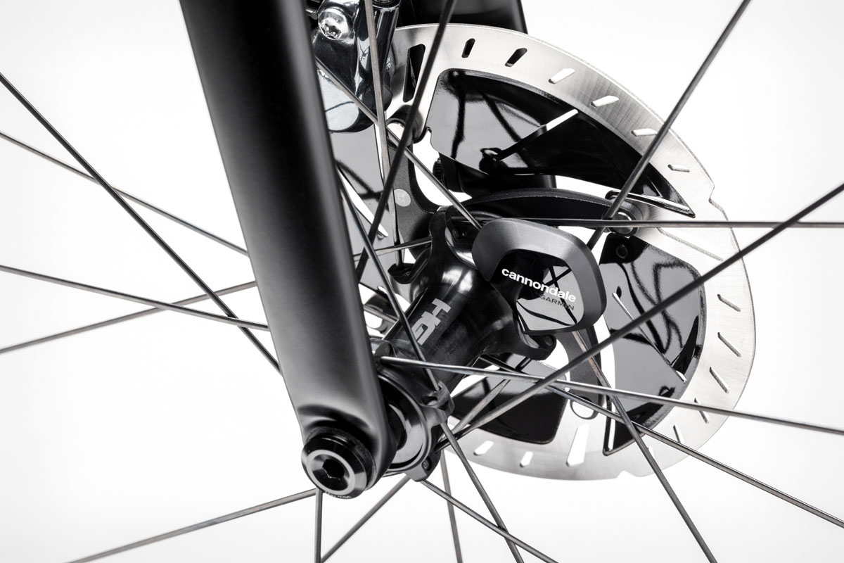 New Cannondale SuperSix EVO road bike is more aero, integrated, comfortable & clean