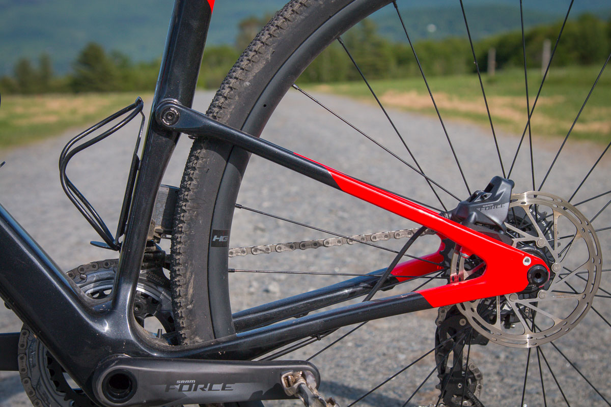 Cannondale Topstone Carbon gravel bike rolls a new frame with Kingpin rear suspension
