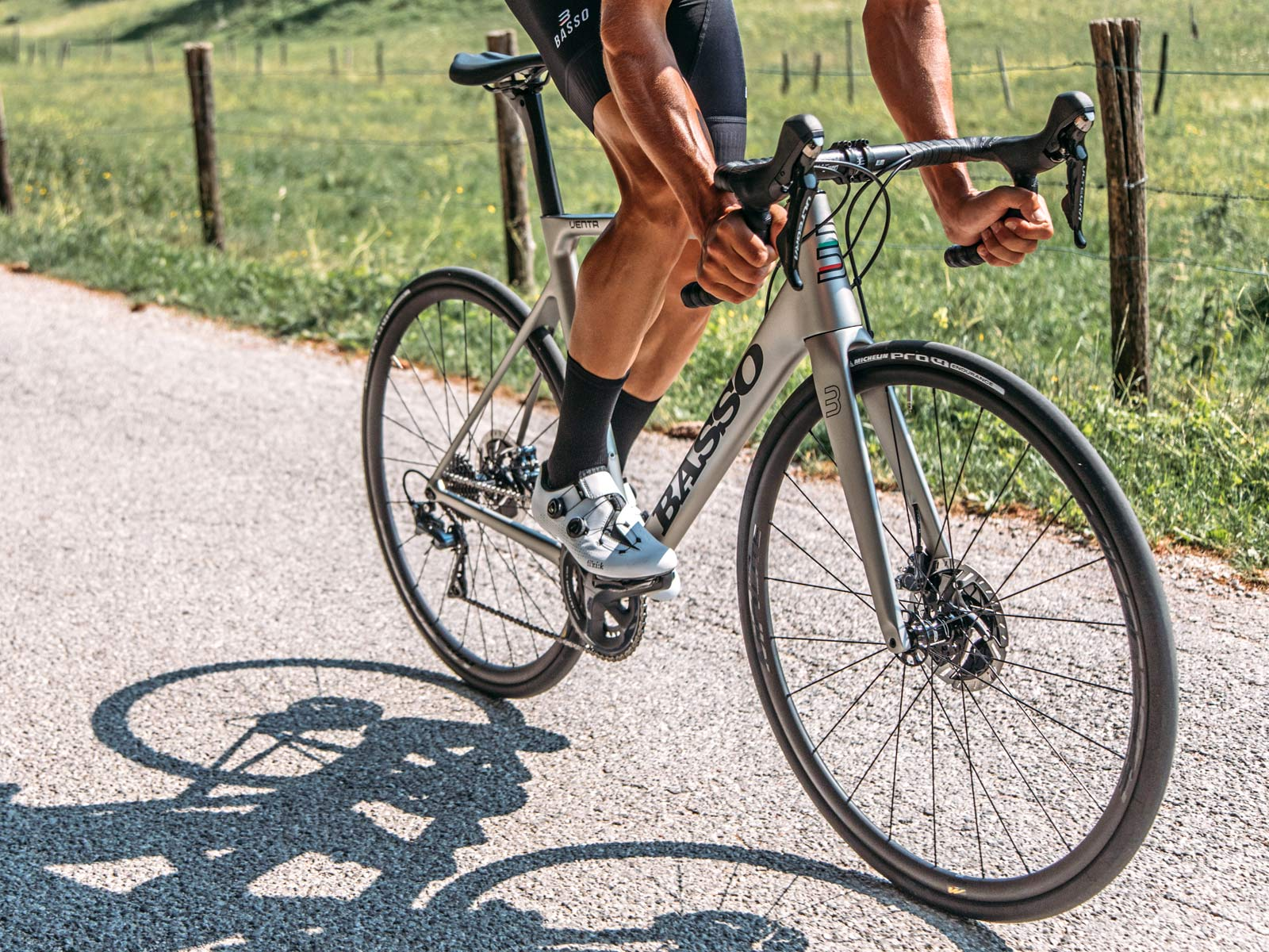 2020 Basso Venta carbon road bike, affordable Made-in-Italy, 20th anniversary Venti all-rounder Italian carbon road bike