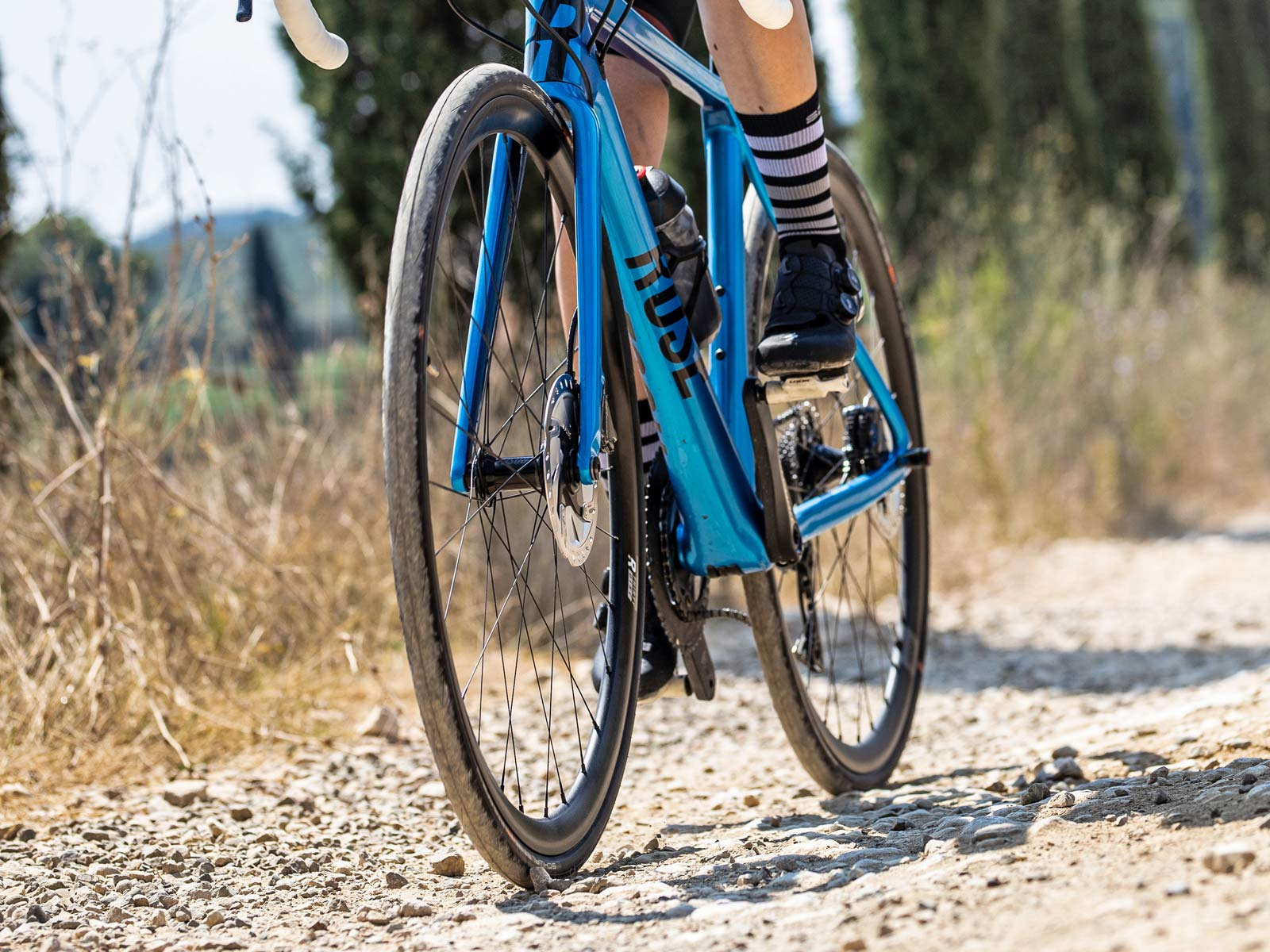 2020 all new Schwalbe Pro One TLE tubeless road bike tire, faster supple souplesse, photo by Irmo Keizer