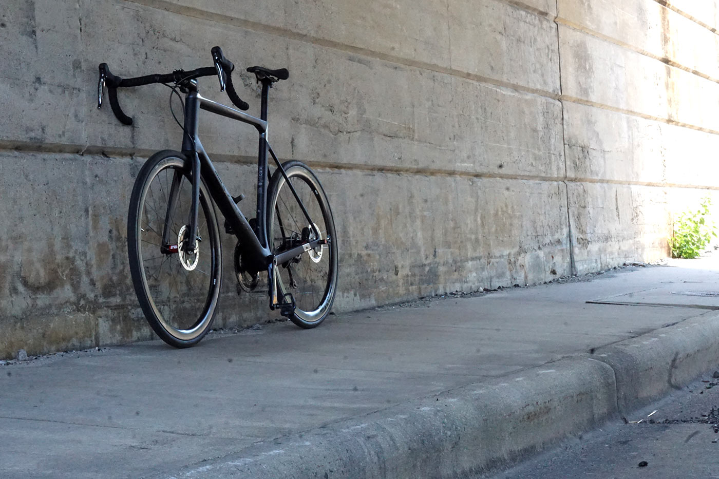Review: Exept All Road custom carbon fiber road bike delivers a lively ride & perfect fit