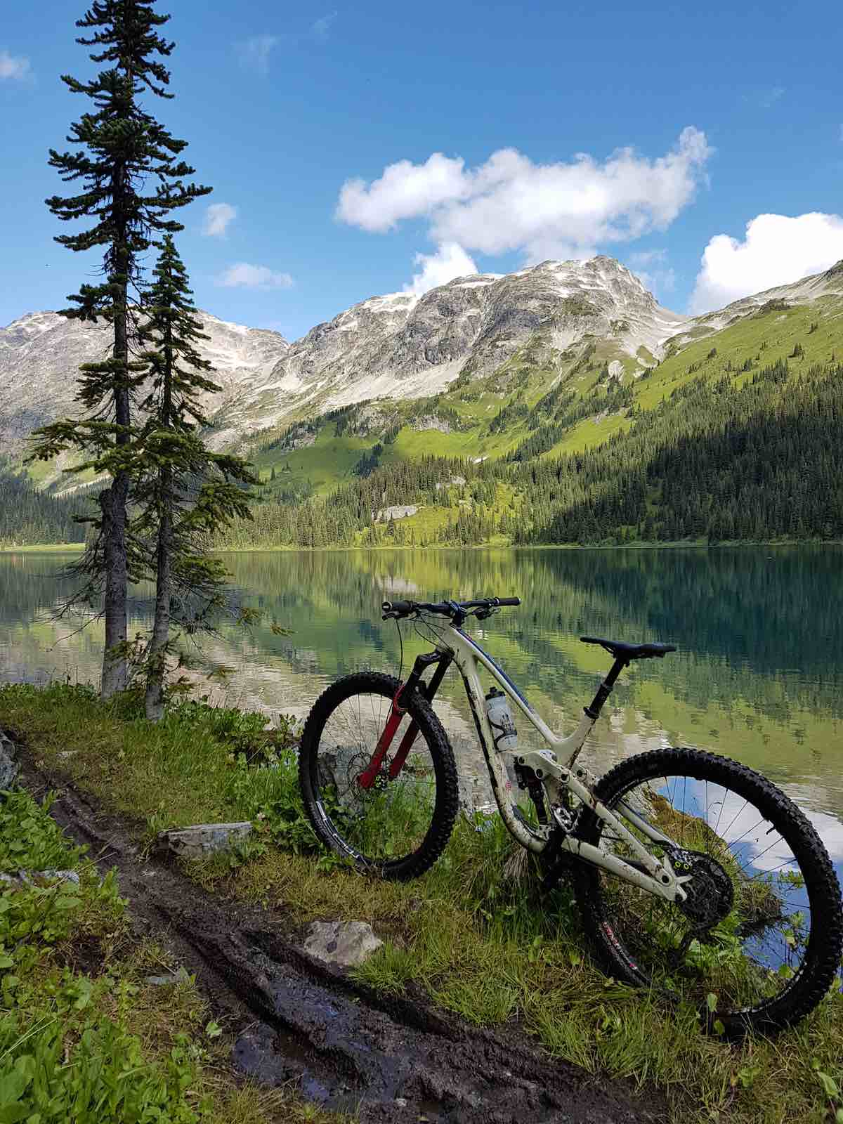 bikerumor pic of the day kona process on a lake on mount barbour in pemberton bd, canada.