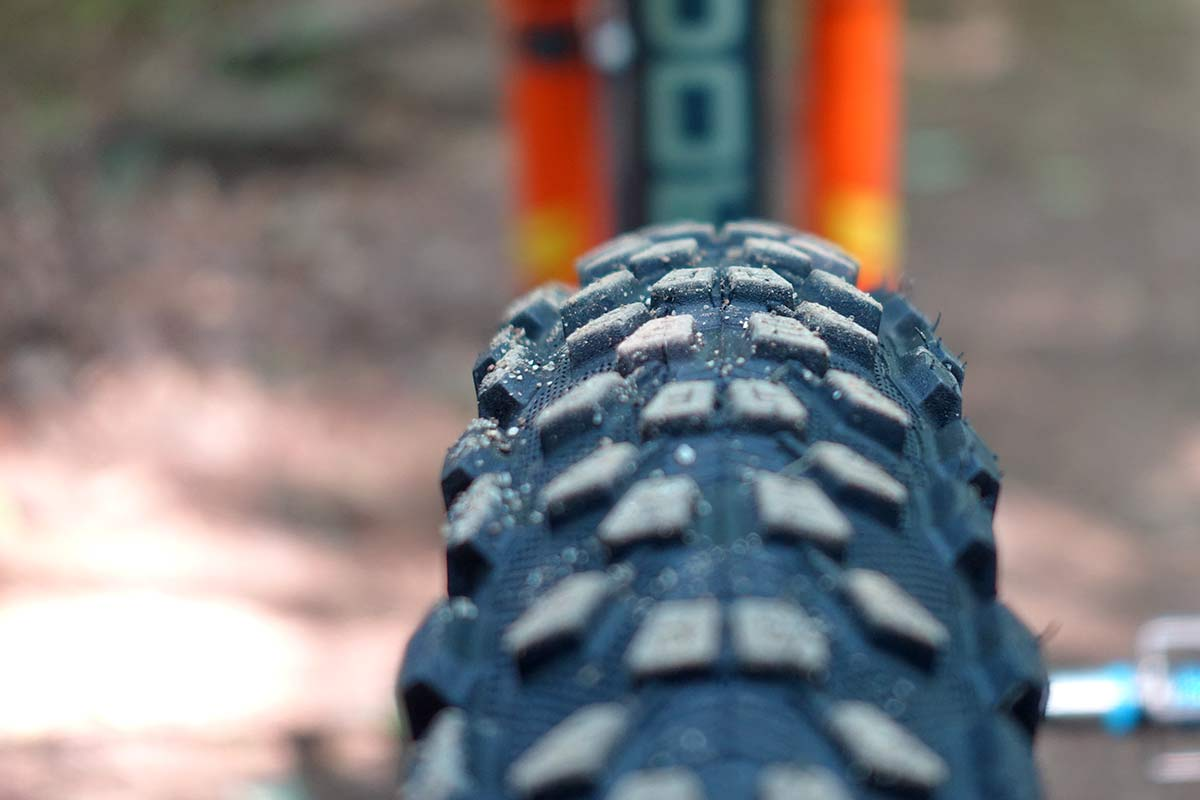 vee tire rail escape trail mountain bike tire review and actual weights