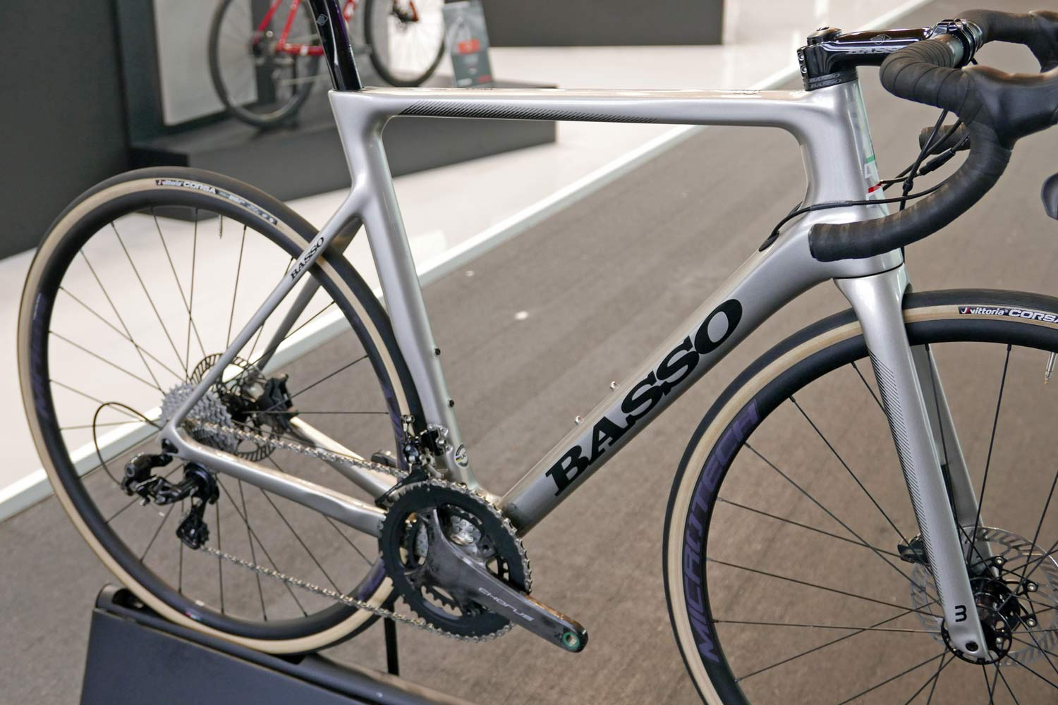 2020 Basso Astra Disc road bike, Italian carbon all-rounder road race bike