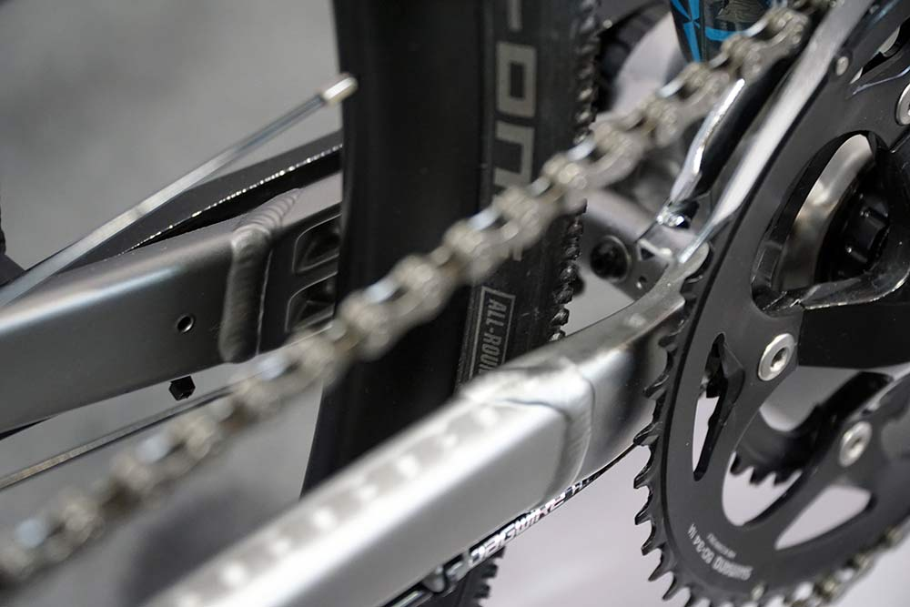 what is the tire clearance on new niner rlt alloy steel and carbon gravel bikes