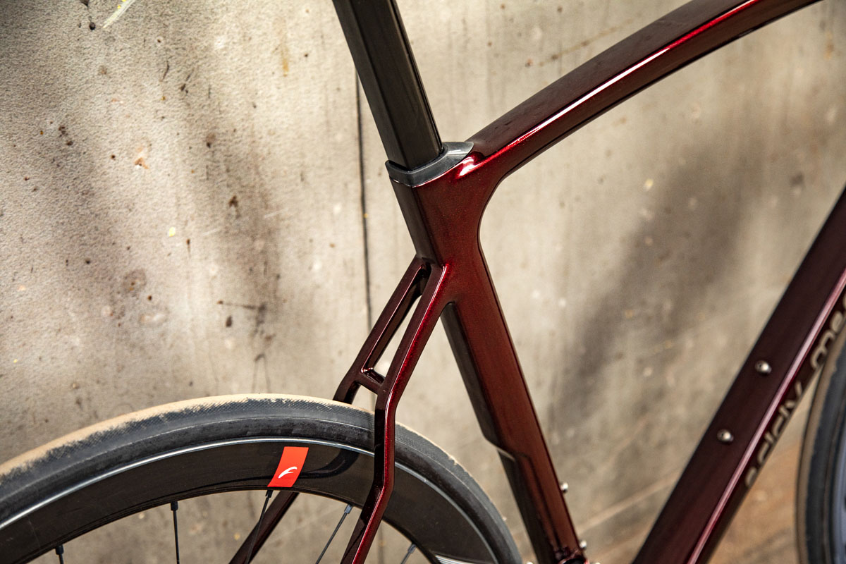 Eddy Merckx 525 balances aerodynamics, weight, & comfort for ultimate all 'rounder