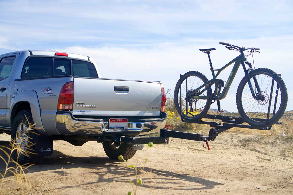 Review: 1Up USA Equip-D Double bike rack and RakAttach swing away hitch adapter