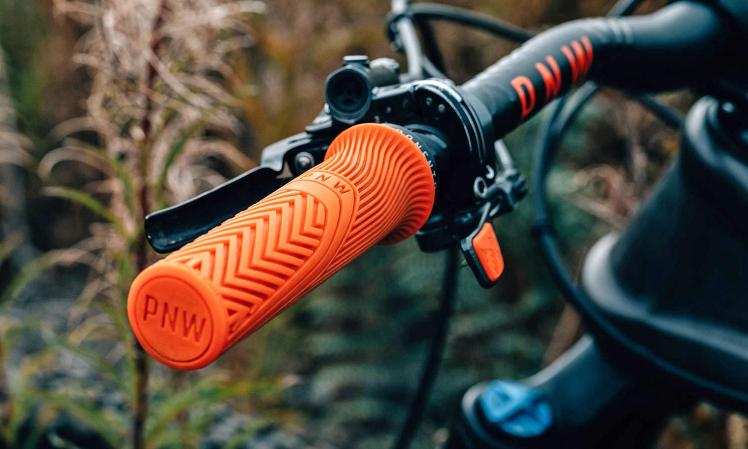 PNW Loam Grips lock-on with ultra tacky rubber grip