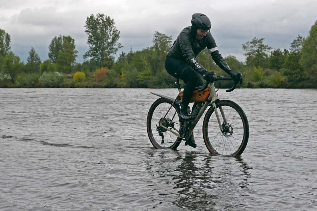 Rapha Pro Team Insulated Gore-Tex jacket, insulated waterproof Gore Shakedry Polartec Alpha wet & cold weather jacket Review