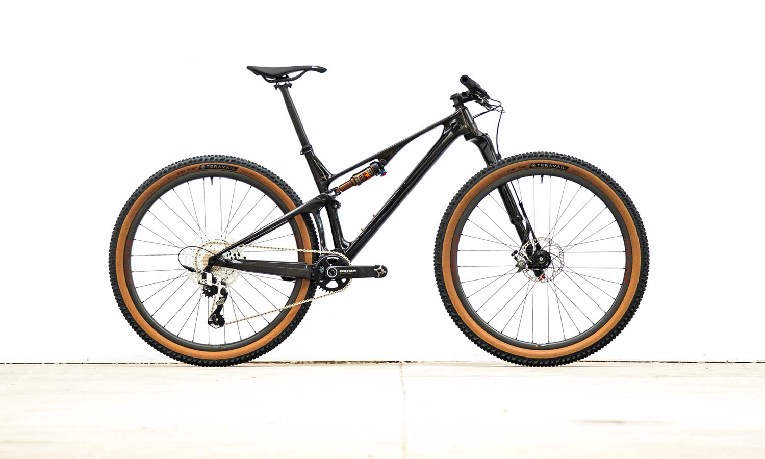 Unno Horn 100mm light carbon XC mountain bike by Light Wolf