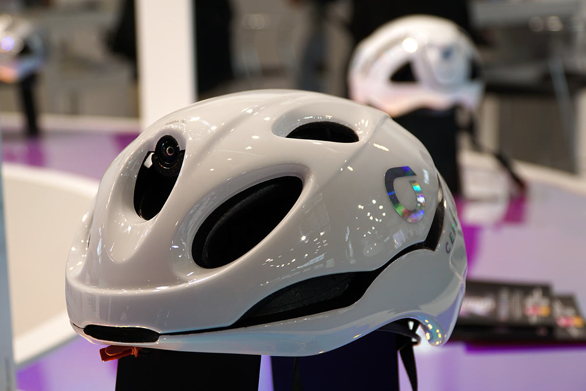 briko cerebellum one bicycle helmet has front and rear view 4K HD cameras