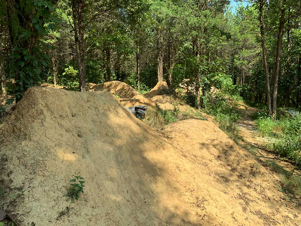 acdc dirt jump mountain bike ramps and trails in knoxville tennessee urban wilderness