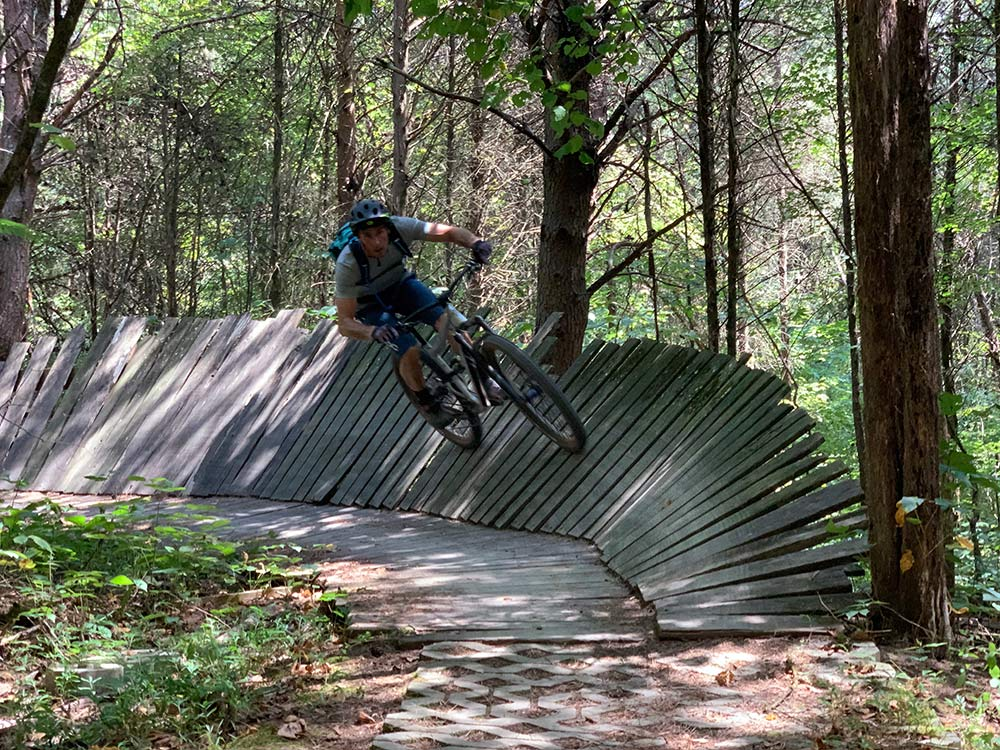 what is the best mountain bike trail in knoxville tennessee