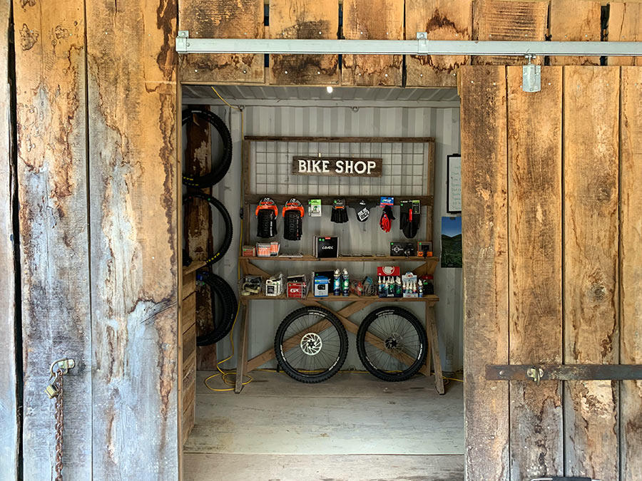 windrock bike park has rental bikes and replacement parts if you break something