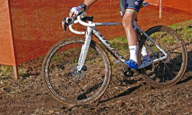 CX Pro Bike Check, rainbow-stripe custom Stevens Super Prestige carbon disc brake World Cup Cyclocross race bike of World Champion Sanne Cant