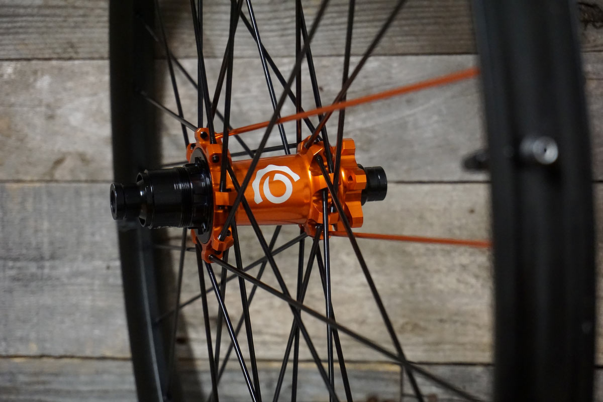 how to industry nine hydra hubs compare to torch hubs