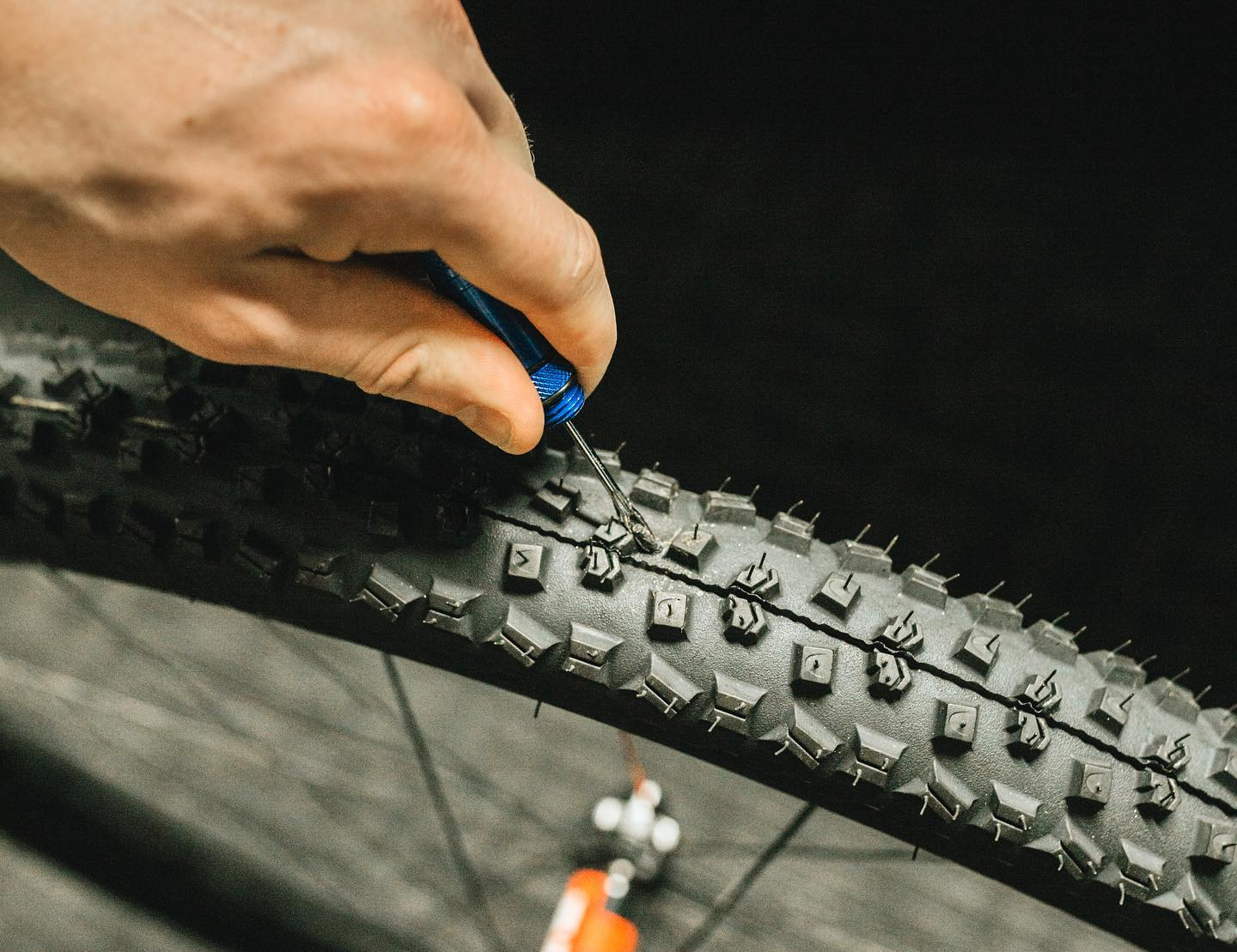 KOM Cycling attacks the flats with light weight Tubeless Tire Repair Tool