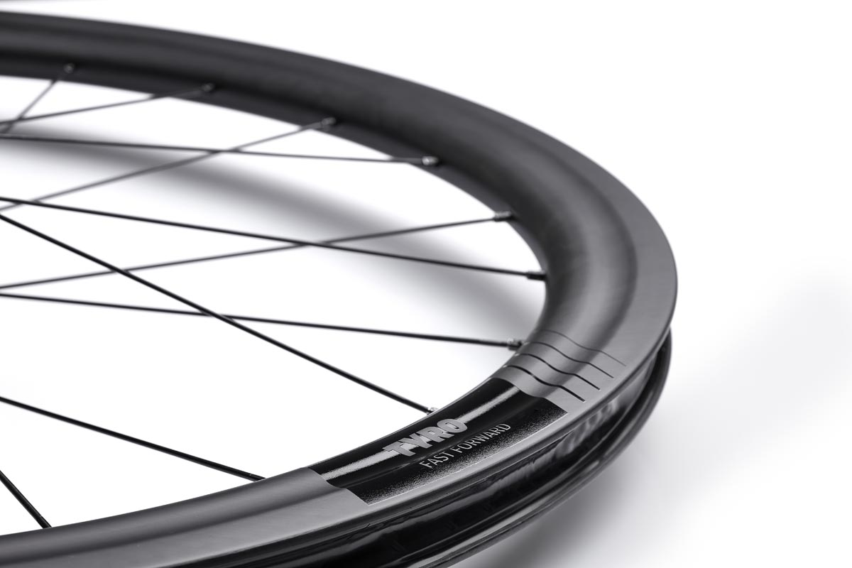 FFWD Tyro carbon wheelset is DARC, versatile, tubeless, and under €1000