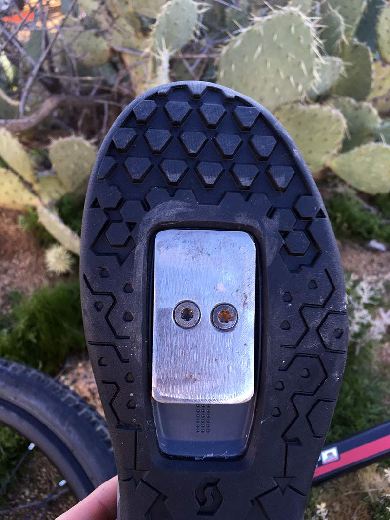how do hustle magnetic mtb pedals work