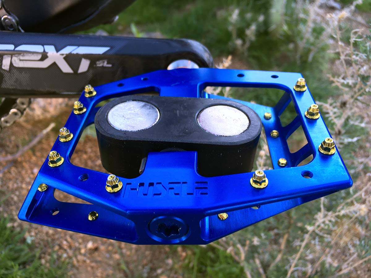 Review: Hustle REM Magnetic Pedal has a strangely appealing pull (and pedals well, too) - Bikerumor