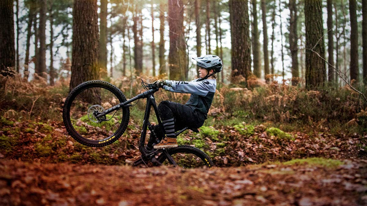 YT Jeffsy Primus youth MTB trail bike, alloy aluminum, all-mountain enduro trail bikes, 24in 130mm, 26in 140mm, Harry Schofield custom, photo by Isac Paddock