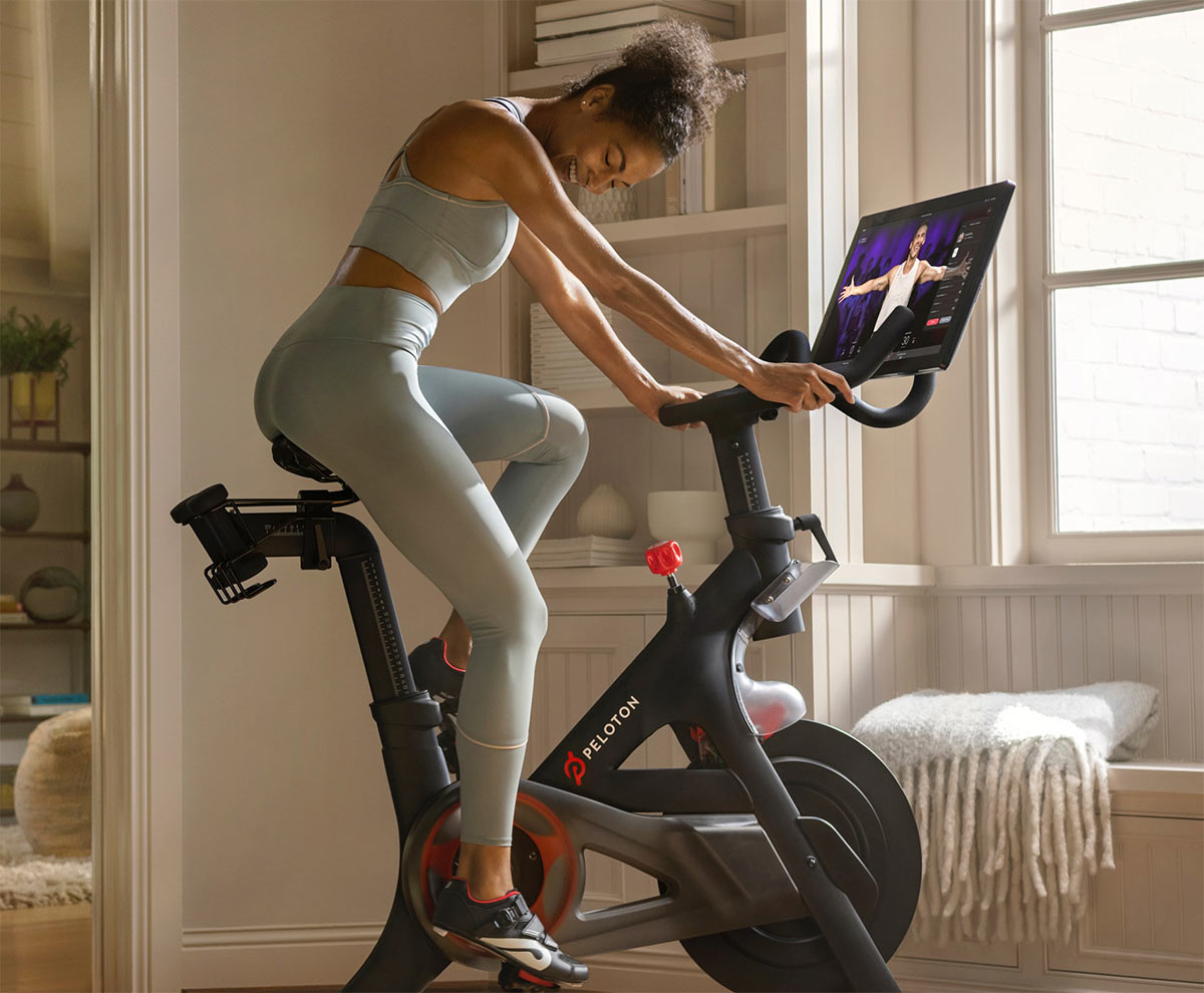 peloton indoor bicycle trainer requires a monthly subscription for training video access