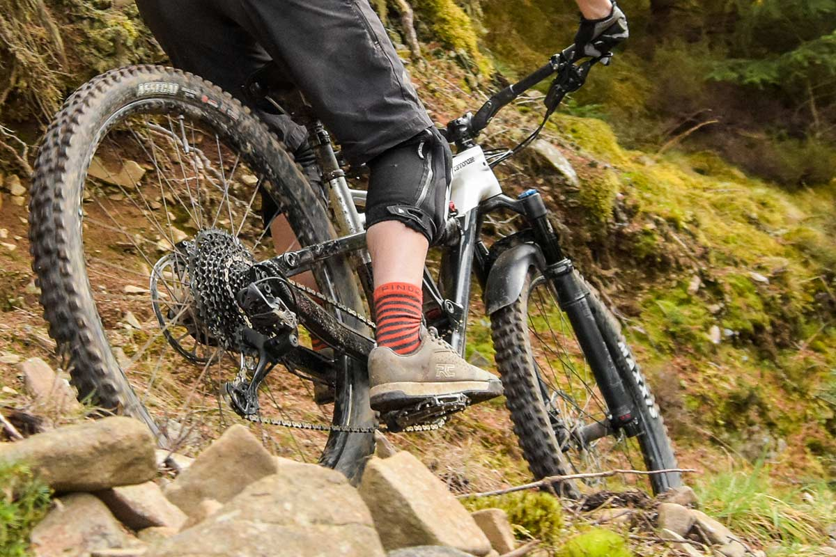 ride-concepts-hellion-review-mtb-flats