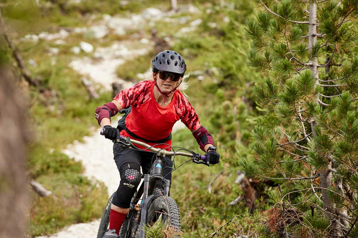WOMENS--MTB-JERSEY-SPRING-2020-RED