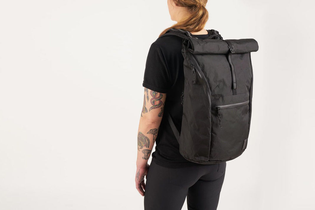 chrome yalta commuter cycling backpack with air channel back padding