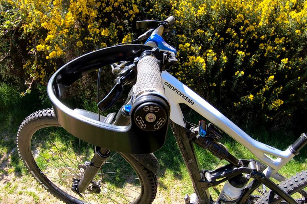 geo-handguards-review-mtb-enduro-protect-deflect-absorb-impacts-from-broken-fingers_