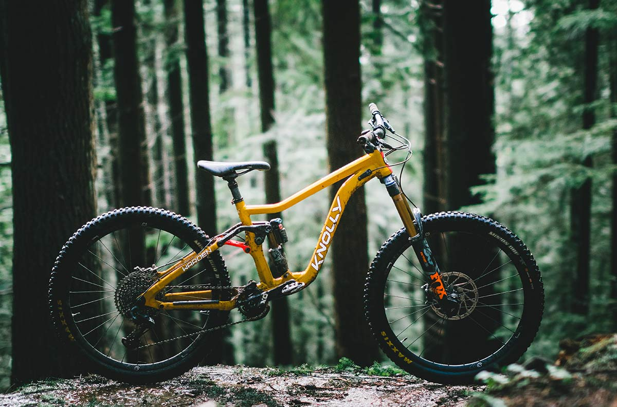 2020 knolly warden mountain bike is a long travel enduro mtb from the north shore