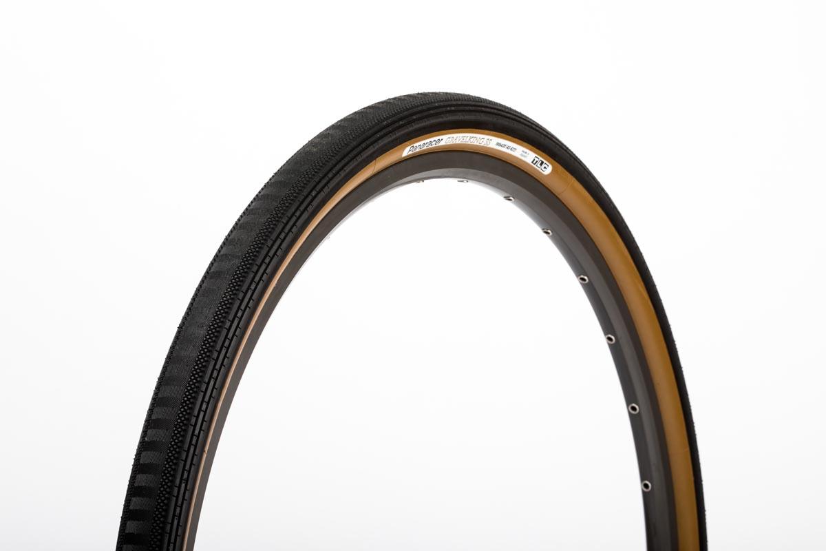 Panaracer Gravelking SS /  SS+ smooths over dry, fast gravel w/ semi slick tread