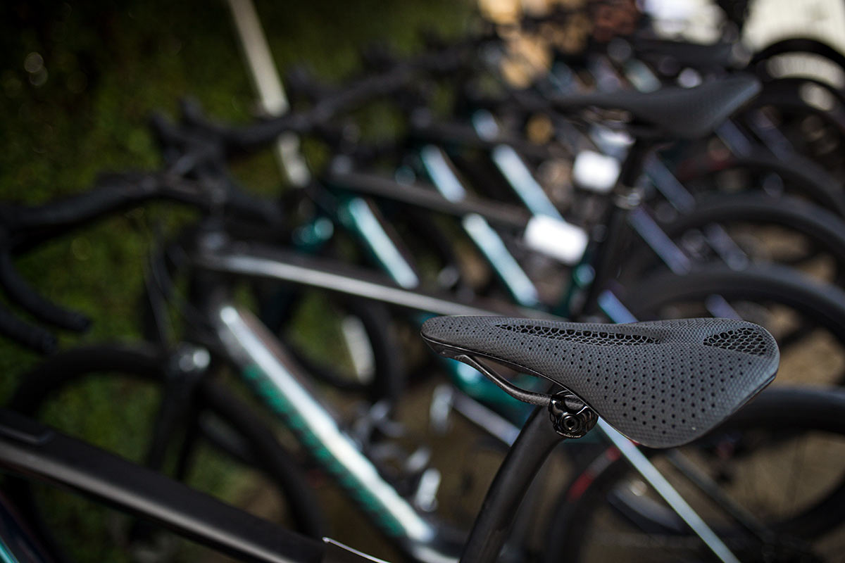 specialized power mirror 3D printed carbon fiber saddle