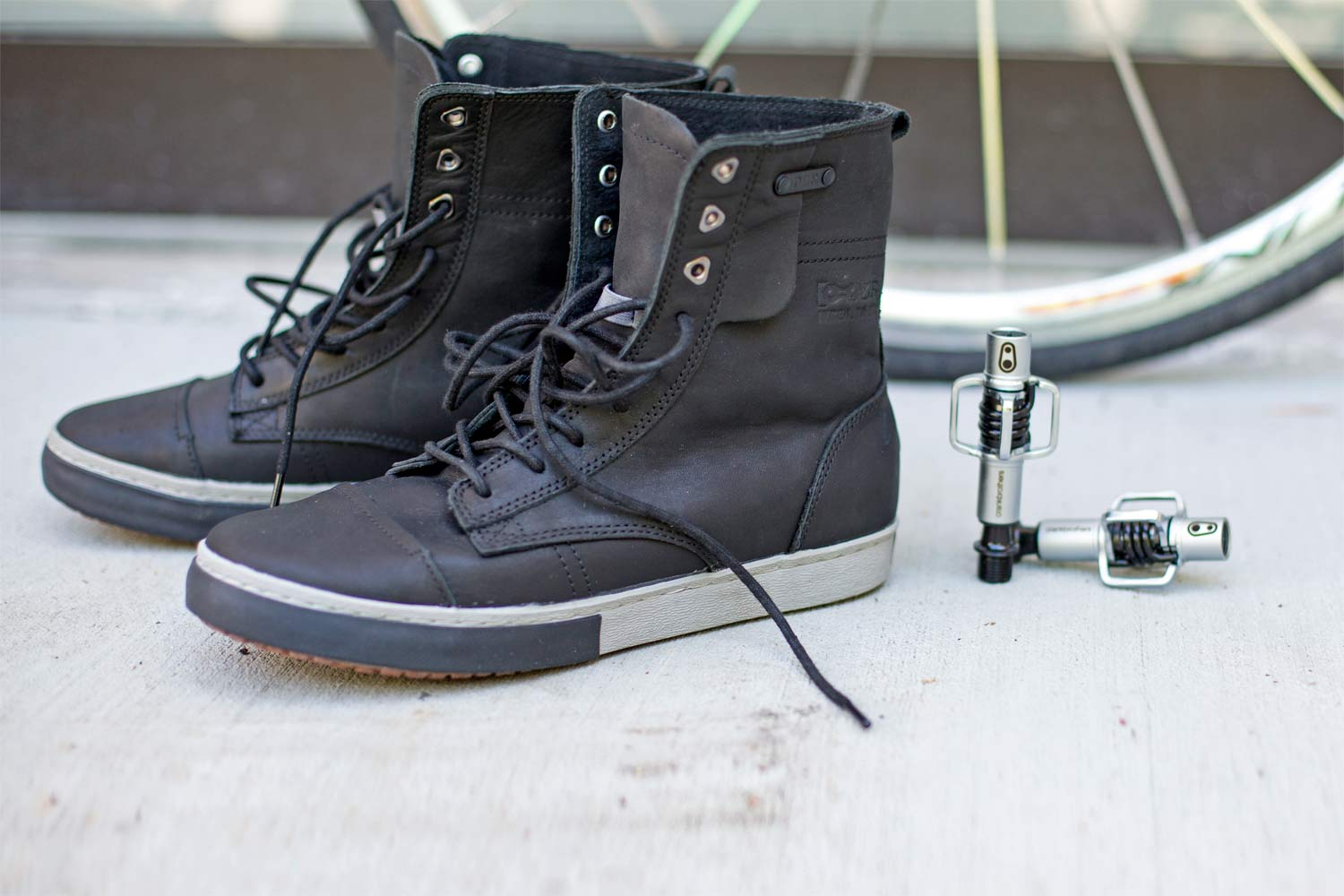 DZR Turin moto leather lace-up cycling boots