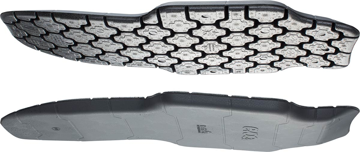 evoc liteshield plus back protector is flexible ergonomic ventialted spine protection for extreme sport