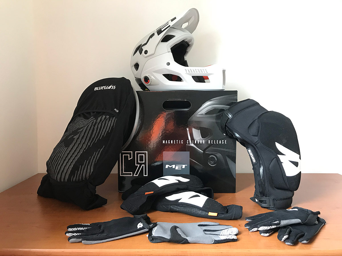 MET Bluegrass offer ideal protection for ews racing astm certified full face helmet ce certified back protector d3o knee elbow pads