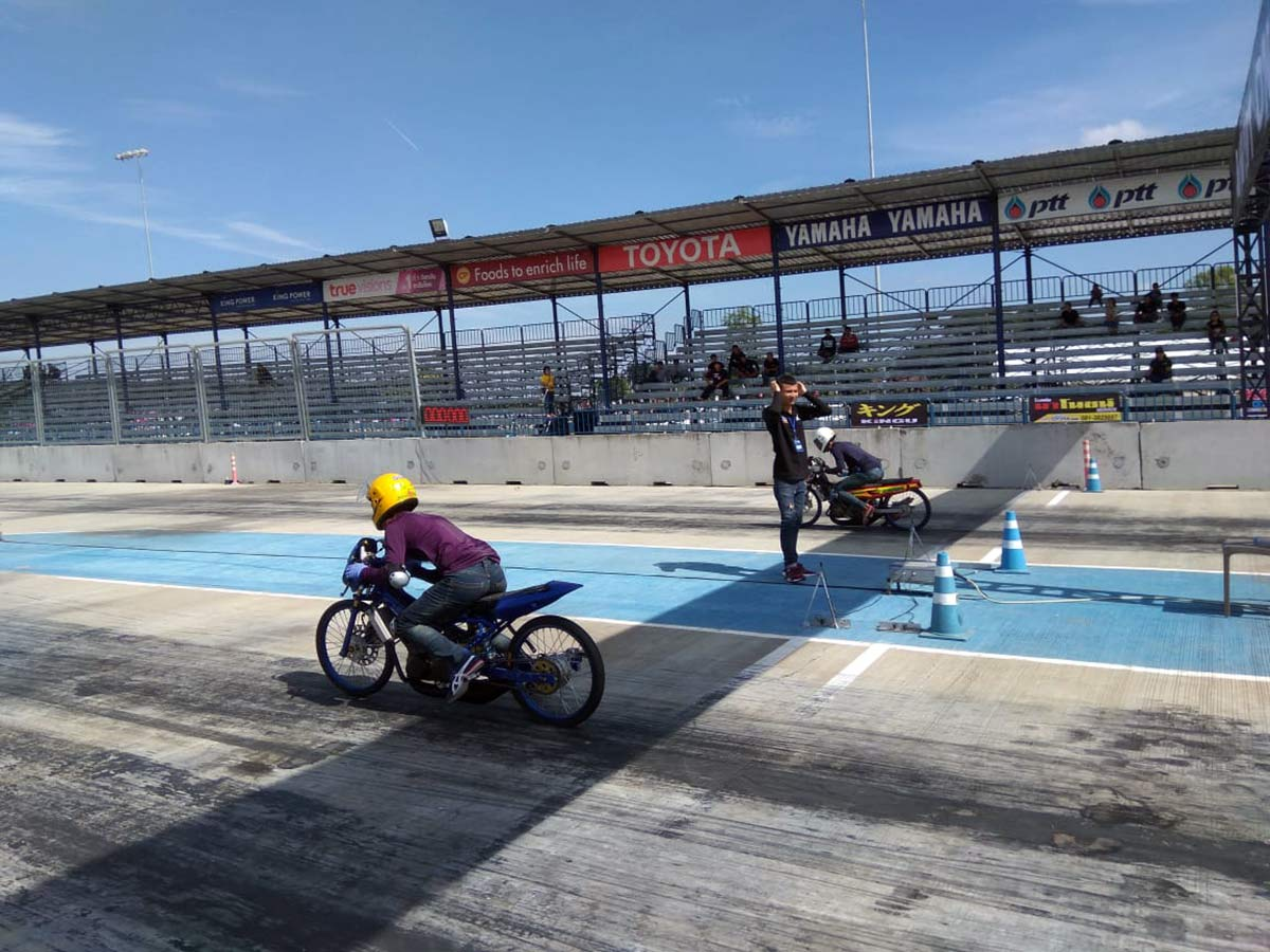 underground scooter racing in thailand with custom tires from vee rubber co