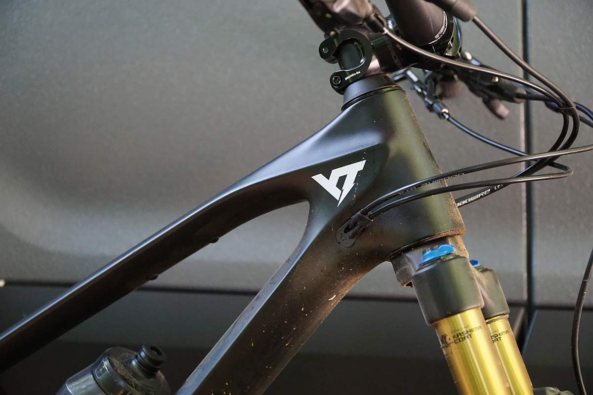 yt izzo trail mountain bike review and frame details