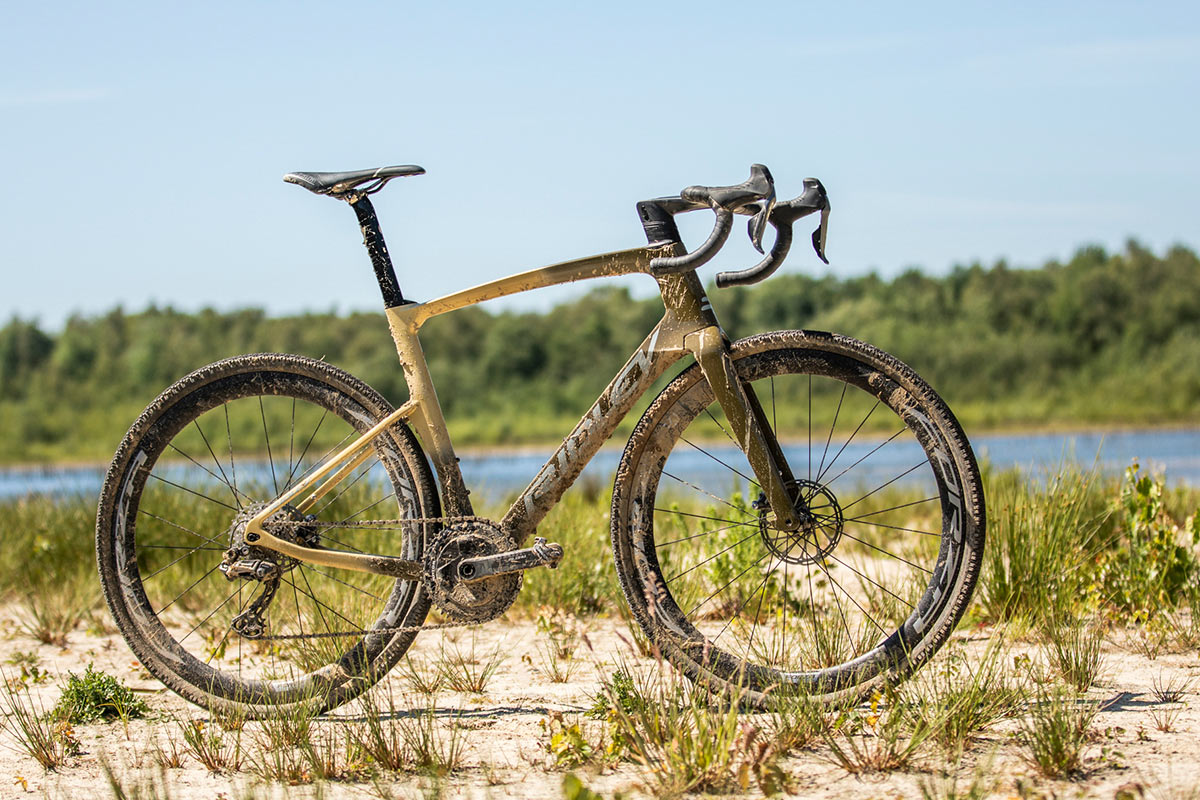 golden fade color for the ridley kanzo fast aero gravel bike