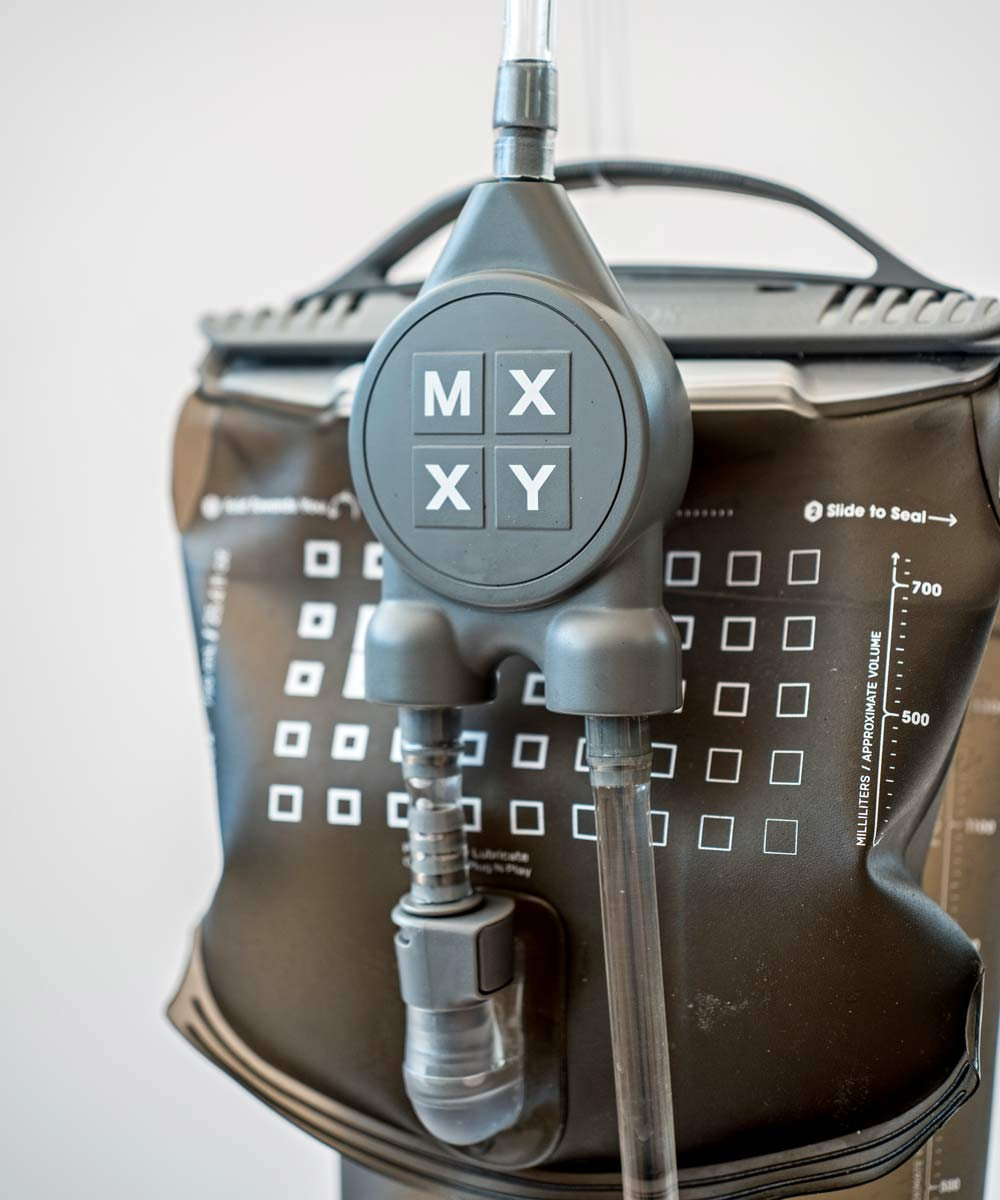 MXXY dual-reservoir hydration pack dials in your electrolyte sports drink mix on the go, valve detail