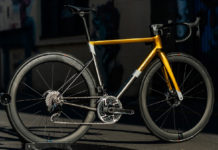 bossi strada ss titanium road bike is designed for racing