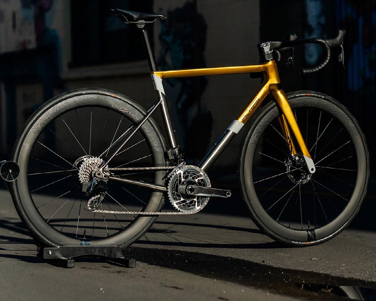 Bossi Strada SS might be the sleekest titanium road race bike ever - Bikerumor