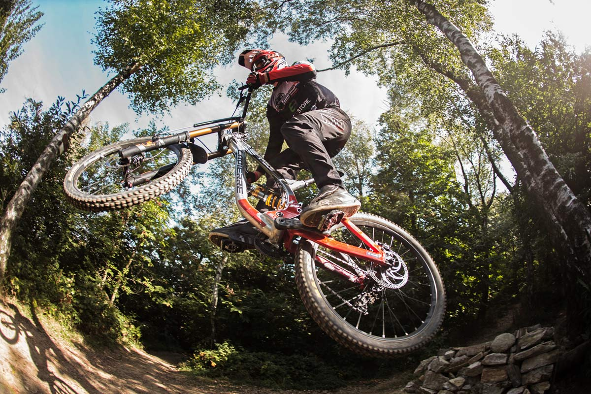 BYB Telemetry v2 pro MTB suspension analysis for the privateer mountain bike racer, DH photo by Michele Lotti