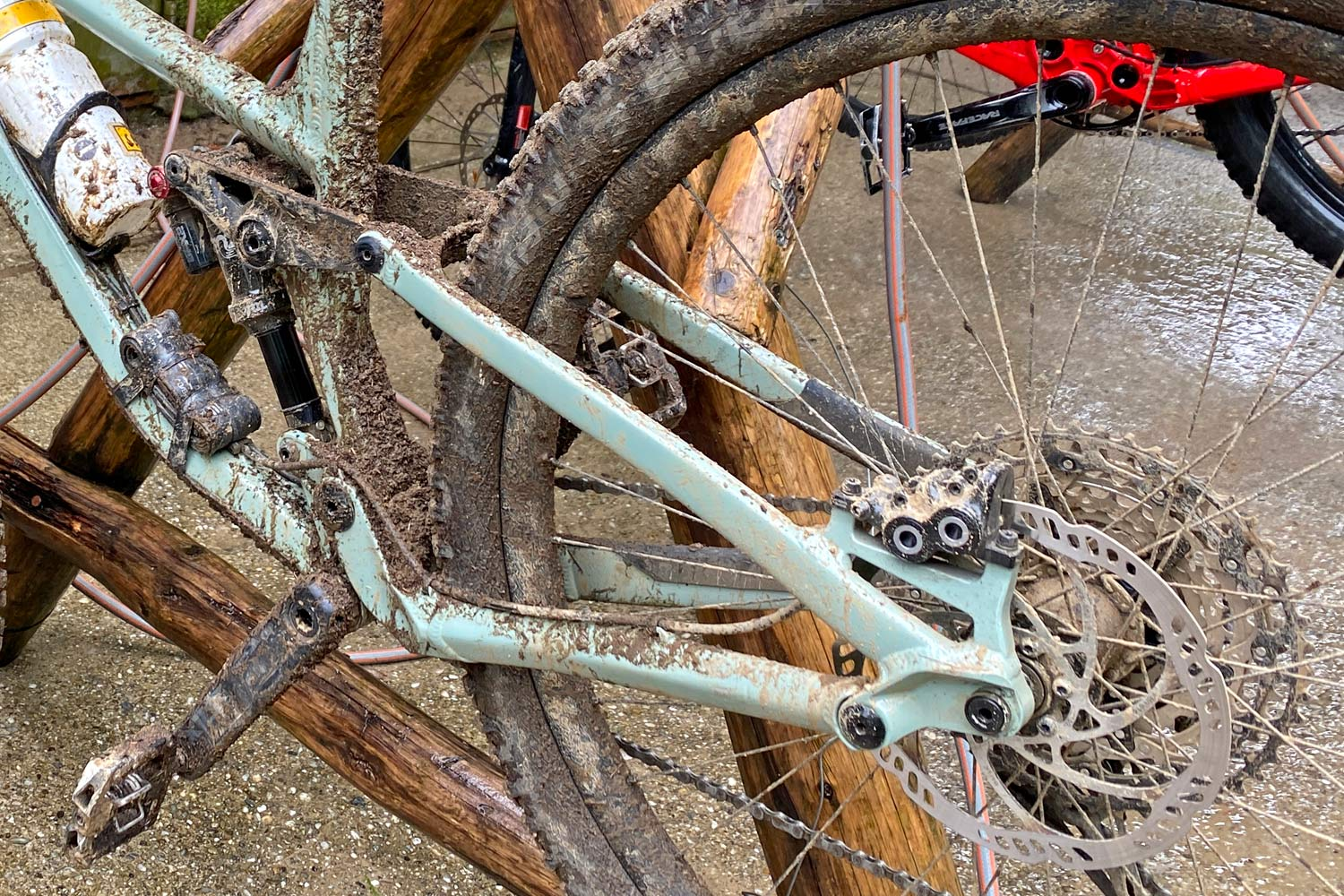 Privateer 141 all-mountain trail bike, affordable alloy 29er trail enduro all-mountain bike, rear non-driveside