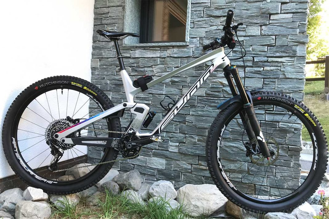 kevin miquel bike check enduro world series zermatt 2020 sunn kern race bike
