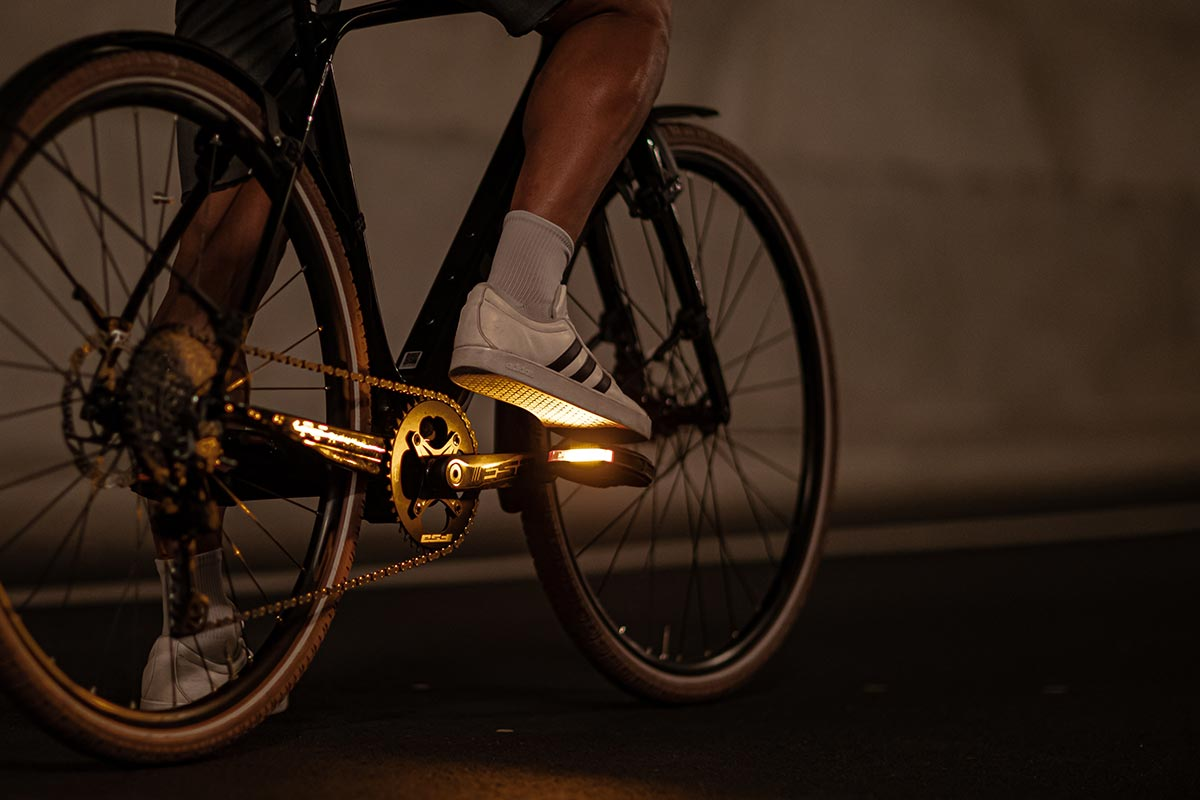 pedals for commuting with integrated light geo city from look