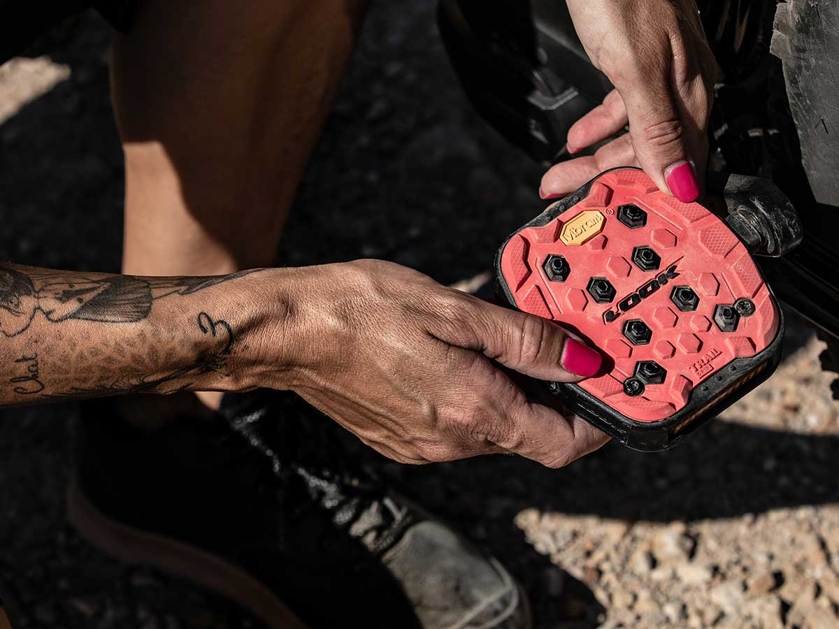 look trail grip pedal customize rubber colorway 63mm q factor