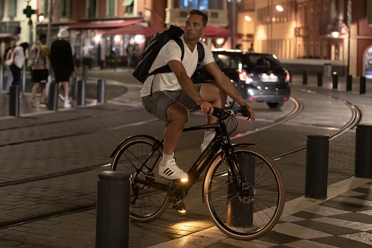 look geo city pedal with light for urban cycle commuting 50 lumens