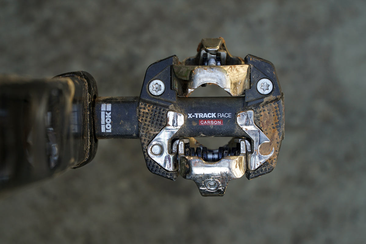 Look X-Track Race Carbon mountain bike pedal platform profile from the top looking down
